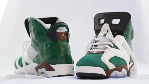 Sneakers, Alain Mukendi, Superstar Gold 24 carrat, TV show, Jordan Celtics, DJ Daddy K