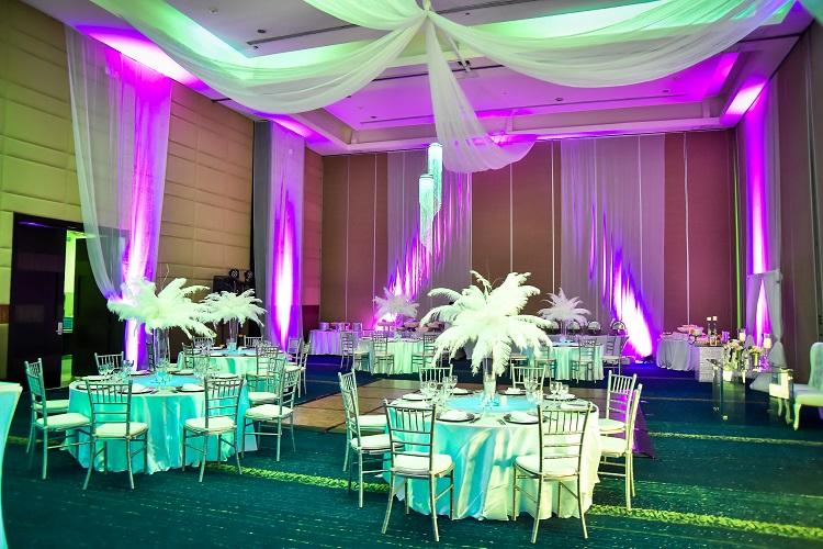 Real Wedding Dana Amp Stevens Stunning Wedding In Punta