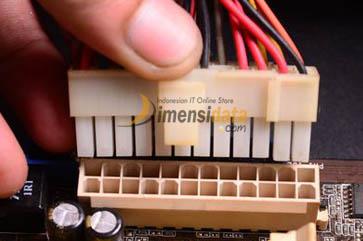 Power Connector - Komponen Dalam Motherboard Komputer