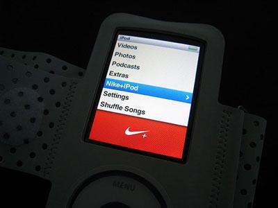 LiPod Nano 4G dans le menu Nike+ et la nouvelle version du brassard.