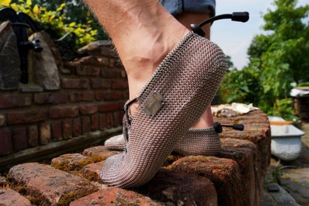 Chainmail-Running-Shoes-1