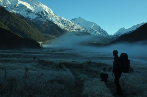 mount-aspiring-walk-misty-morning
