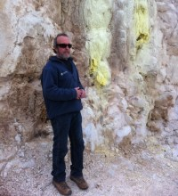 Geological Science Advisor Harry Keys explaining the processes at Rotokawa.