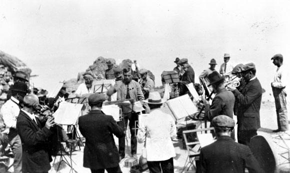 Bavarian String Band.