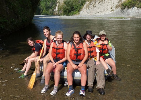 White bryony summer eradication team rafting on the Rangitikei River.