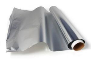 aiguiser ses ciseaux à l'aide de papier aluminum