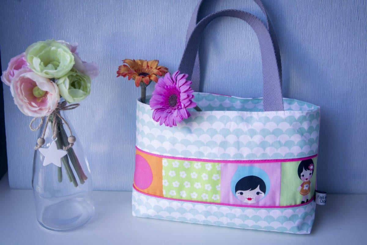 tuto couture le petit sac cabas fillette les tutos couture de dodynette. Black Bedroom Furniture Sets. Home Design Ideas