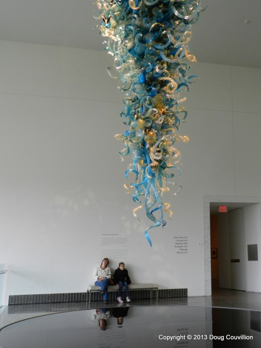 photograph of Dale Chihuly's Blue Ridge Chandelier