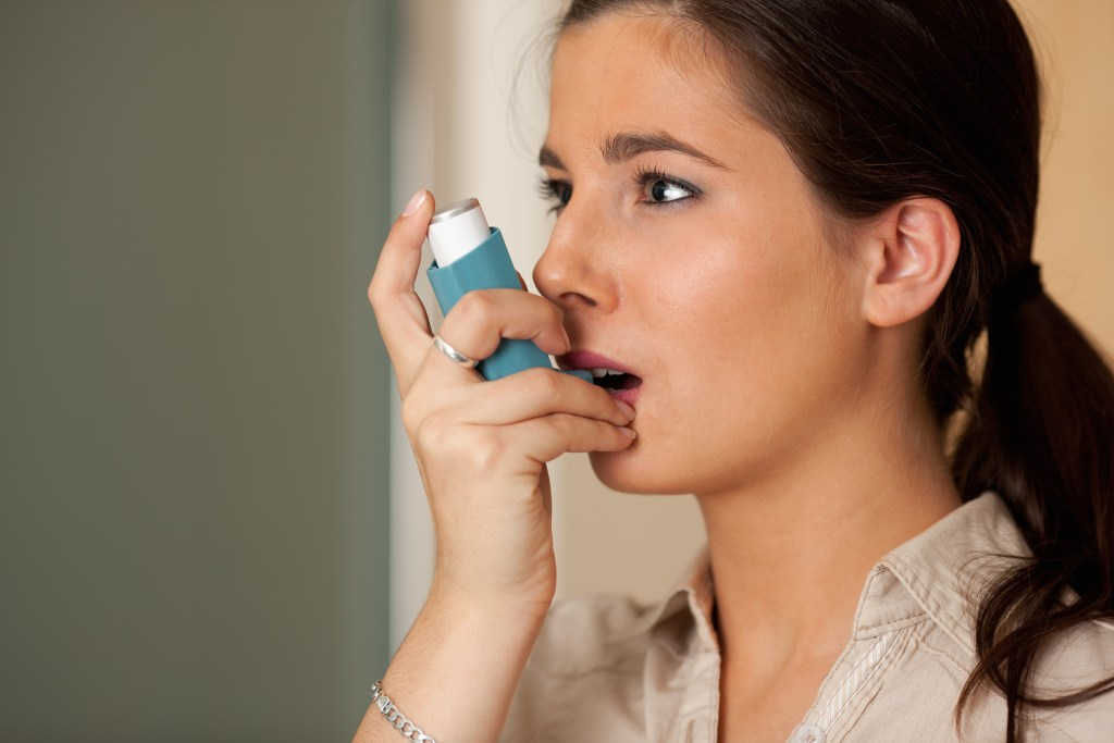 Conheça as causas e os sintomas da asma