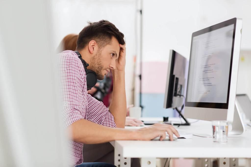 Esgotamento profissional: entenda os riscos e saiba como tratar