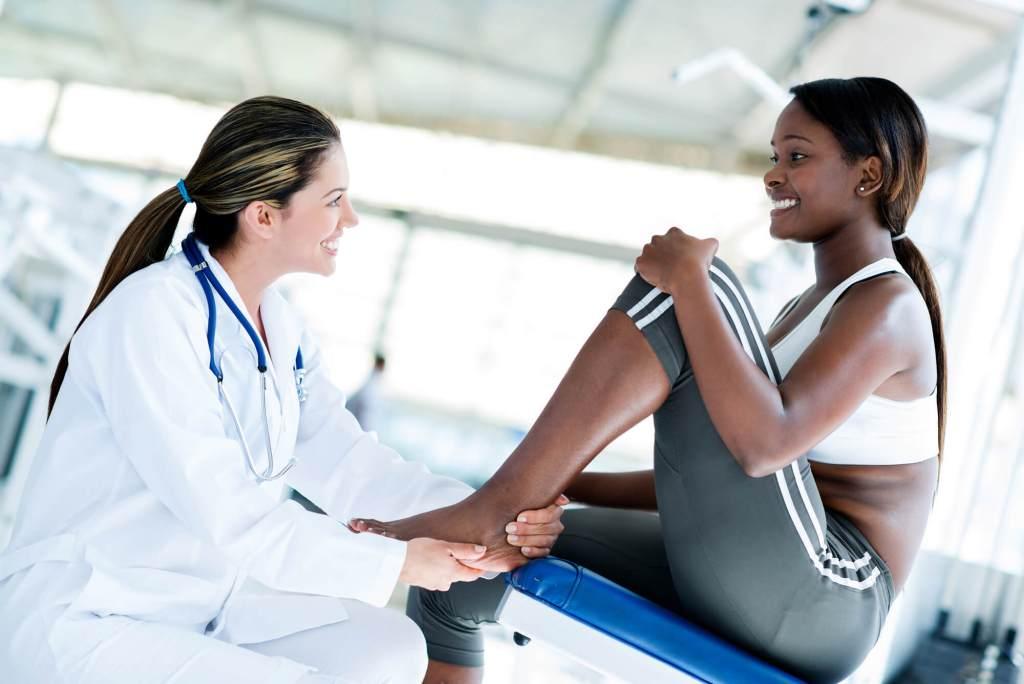 Entenda como funciona o tratamento para osteoporose
