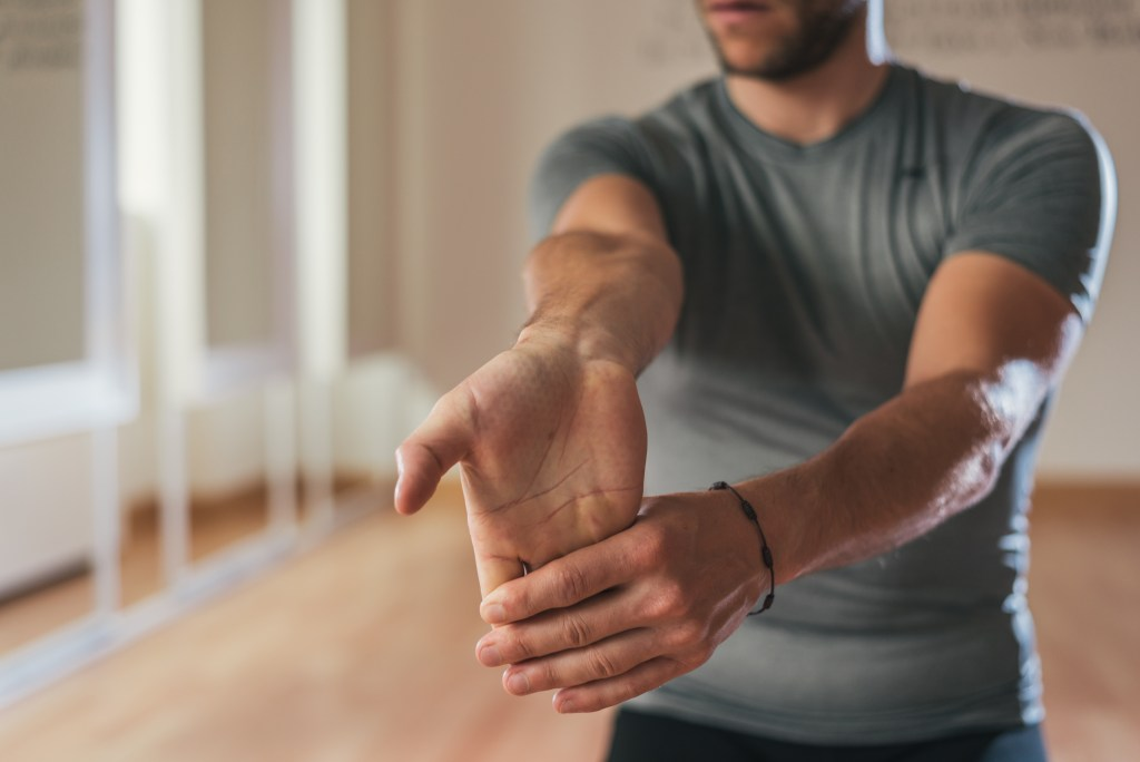 Conheça as principais causas da dor no punho