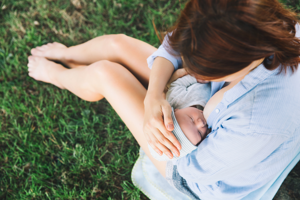 Conheça os nutrientes do leite materno