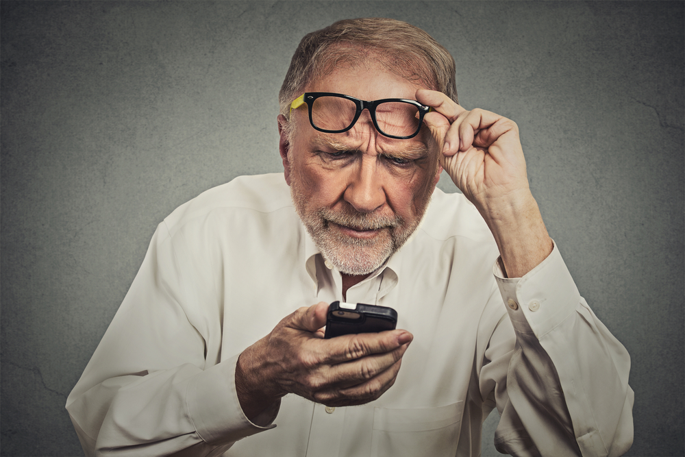 Degeneração Macular Relacionada à Idade: causas e sintomas