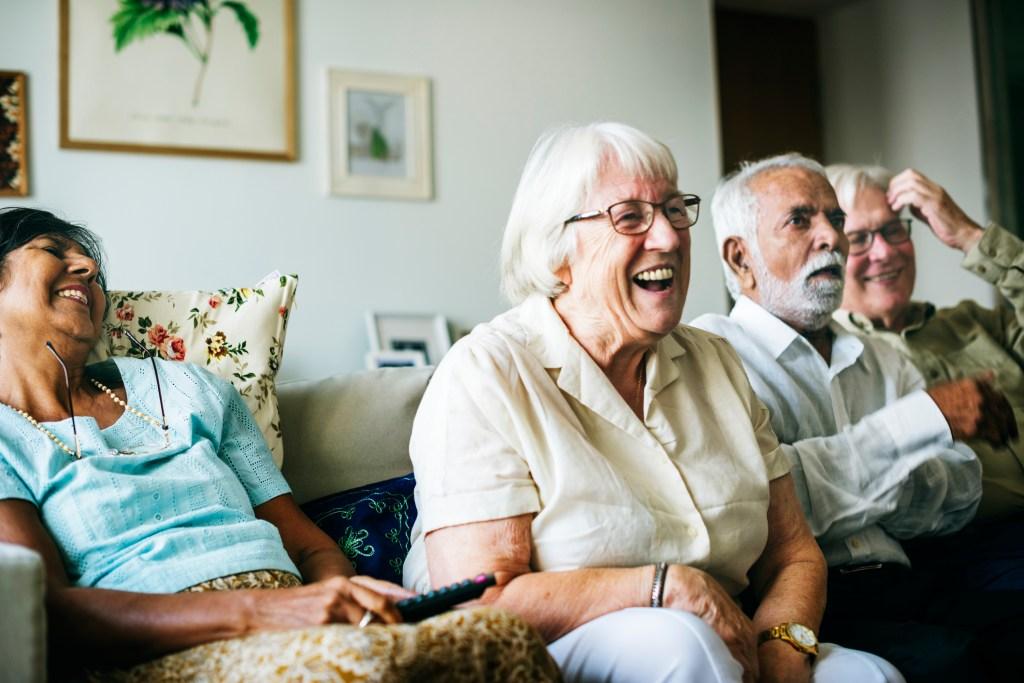 Relações sociais e a importância para a saúde do idoso