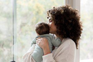 Os cuidados com a maternidade na pandemia