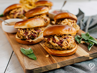 thanksgiving_burger_with_rosemary_shoestring_fries