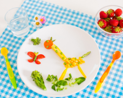 kid craft with fruit and veggies