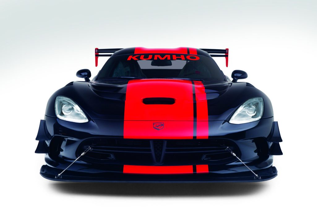 Exploring the Dodge Viper's Digital Gauge Package