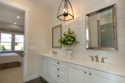 tcwc-0041-00-Lyndhurst-A-owners-bath-2_preview_maxWidth_1920_maxHeight_1248_ppi_300_quality_100