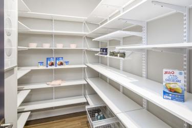 CHTH-0039S-00_Calabasas-pantry_preview