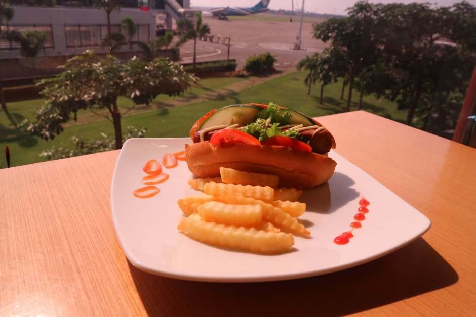 Nikmatnya Hot Dog ala Luccini Cafe dok. DuniaMasak