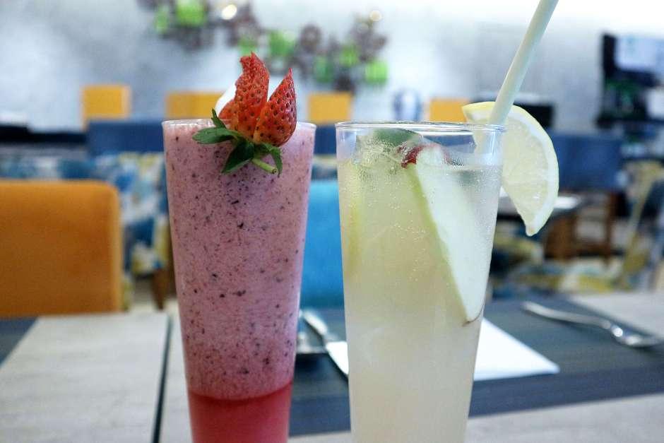 Cikini Triple Berry (Healthy Blended) dan Apple Crush via dok. Duniamasak.com