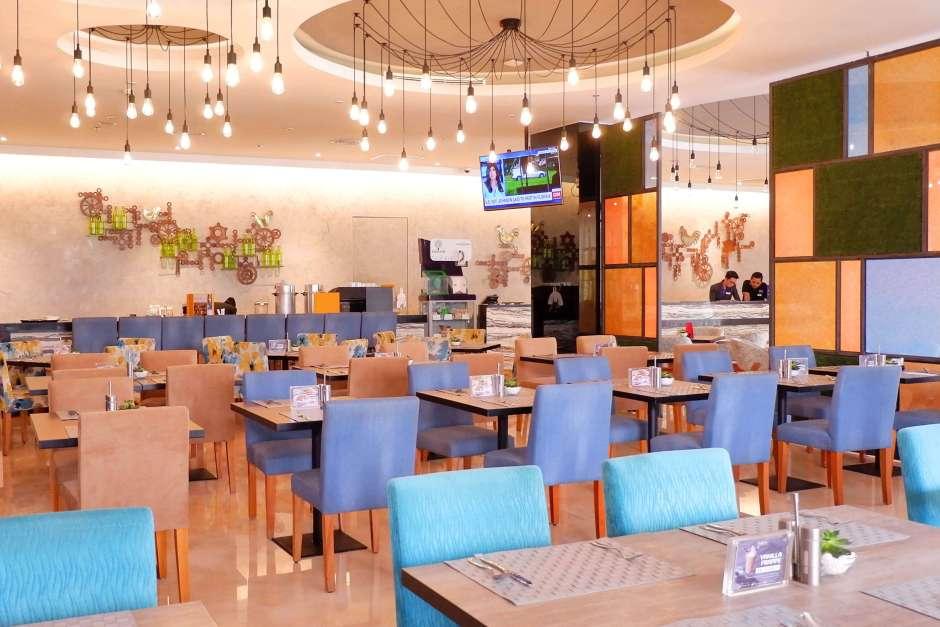 Interior De' Kafe Mercure via dok. Mercure Hotel