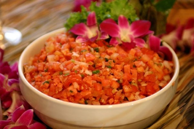 Lomi Salmon Hawaiian Food via www.insideouthawaii.com