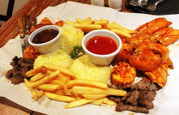 Makan besar di d'low meat gastro nongky plate via duniamasak