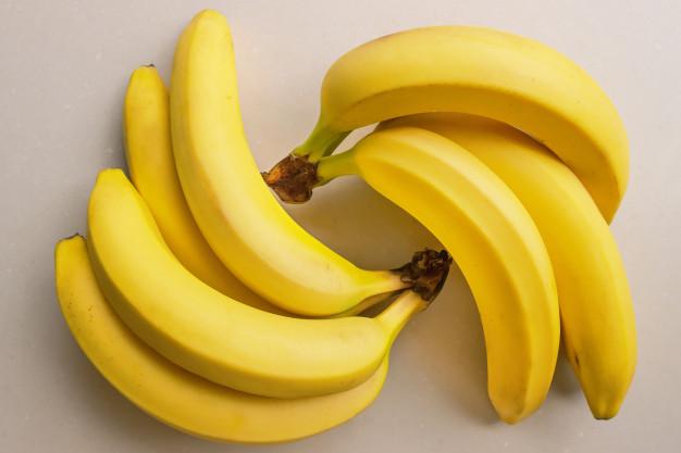 makanan Sehat Kulit Wajah Berminyak pisang via freepik ala duniamasak