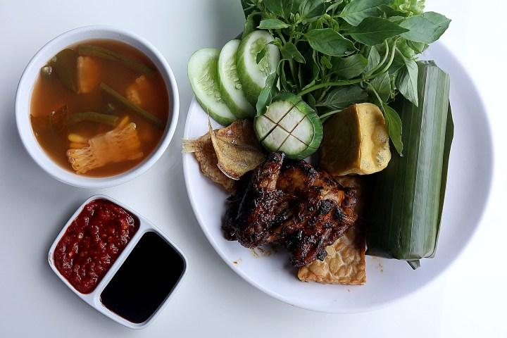 Nasi Ayam Bakar via dok. DuniaMasak.com