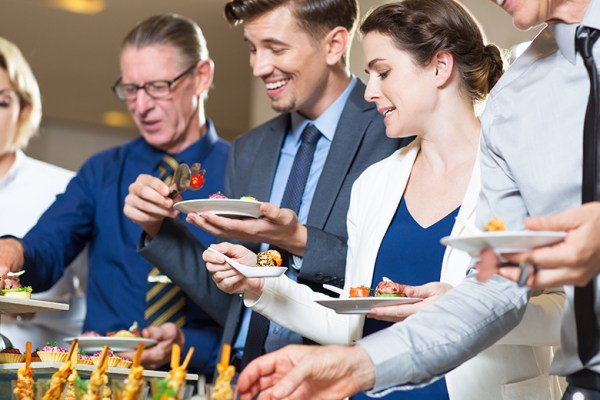 Yuk mulai bisnis katering via freepik.com