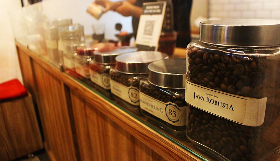 berbagai pilihan kopi di kedai kopi nyantai dok. duniamasak