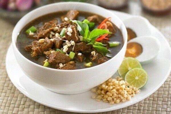 warung rawon di banyuwangi rawon via nusadaily.com ala tim duniamasak.com