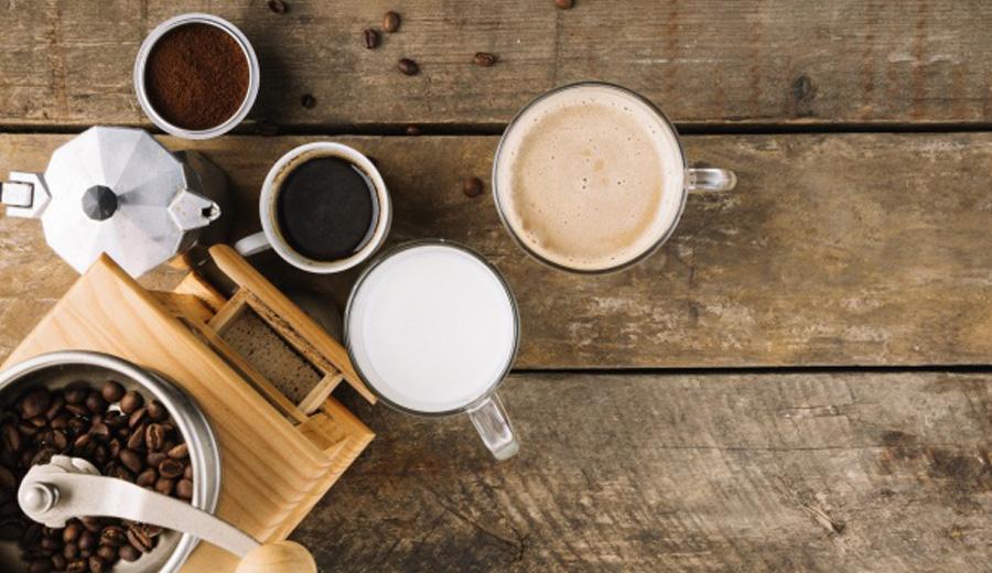 Alat penyeduh kopi via freepik ala duniamasak