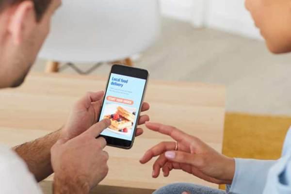 Aplikasi Pesan Makanan Untuk Sahur dan Berbuka Puasa via freepik ala tim duniamasak.com