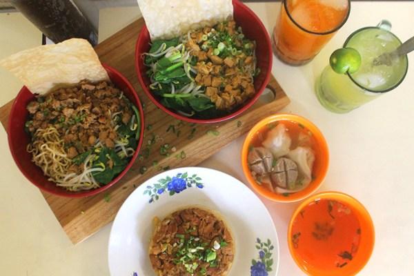 Kuliner Mie - AL kebon jeruk jakarta dok. duniamasak