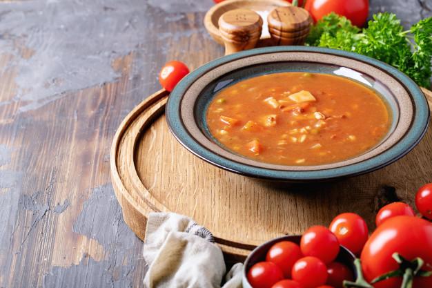Sup tomat daging kurban via freepik ala tim duniamasak