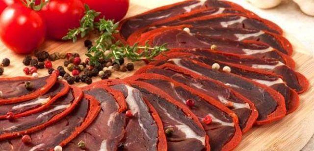 Makanan Populer Ramadan Pastirma via pinterest.com