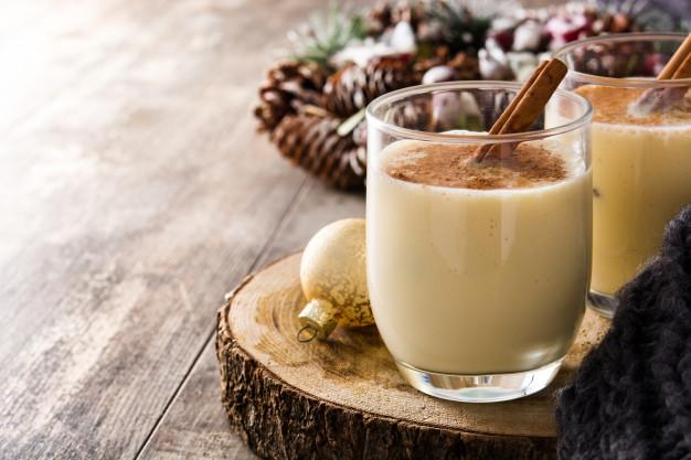 Eggnog snowball recipe drink via freepik ala duniamasak
