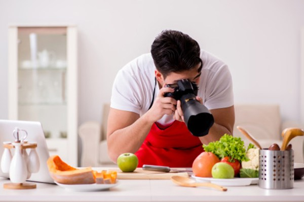 Food vlogger via freepik ala duniamasak