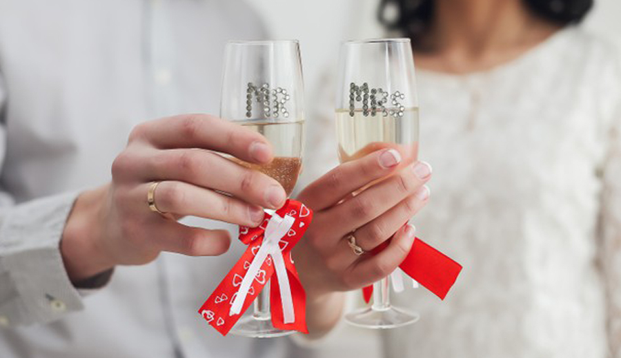 Istilah wedding anniversary hari ulang tahun pernikahan via freepik ala duniamasak