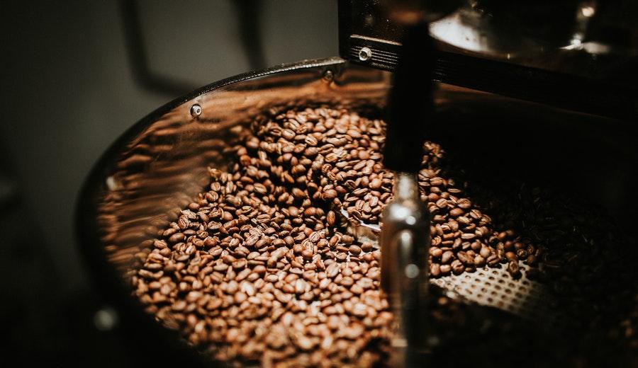Memilih biji kopi terbaik ala duniamasak via pexels.com