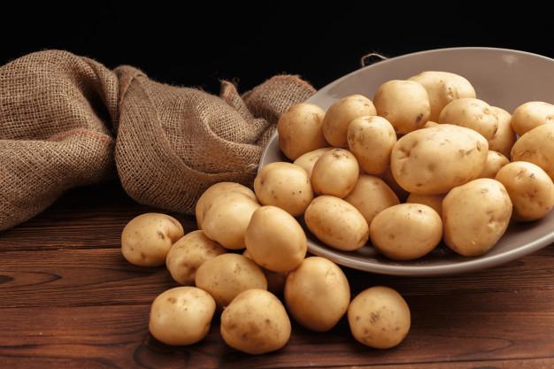 Makanan pengganti nasi diet kentang via freepik ala duniamasak