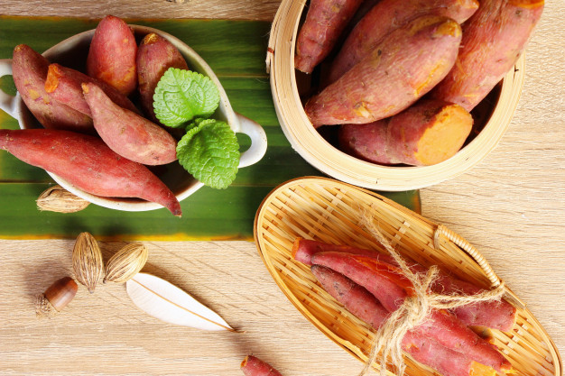 Makanan pengganti nasi diet ubi via freepik ala duniamasak