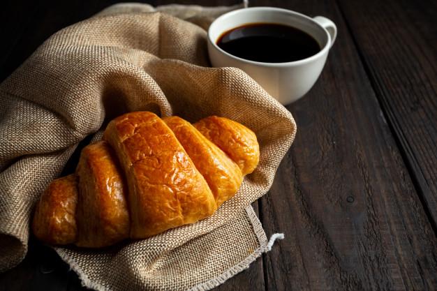 croissants via freepik ala duniamasak