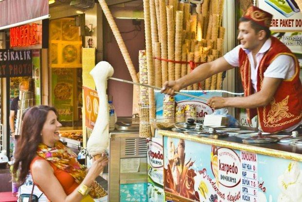 Dondurma turkey ice cream via nusadaily.com ala duniamasak