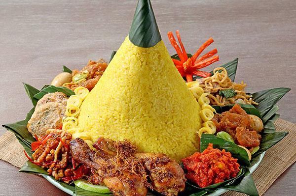 Makna sajian nasi tumpeng via bobo.grid.id ala tim duniamasak.com
