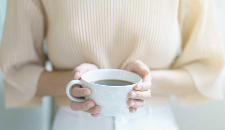 Manfaat Minum Kopi di Pagi Hari via freepik ala tim duniamasak.com